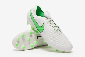 Футбольные бутсы Nike Tiempo Legend VIII Elite FG AT5293-030