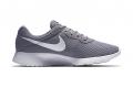 Кроссовки Nike Tanjun 812654-010
